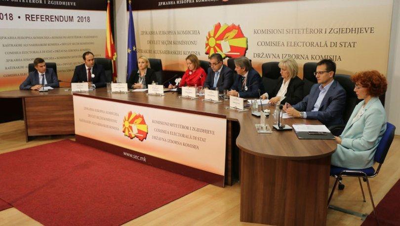 Makedonya'daki tarihi referanduma yetersiz katılım