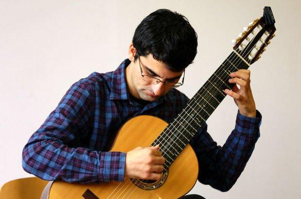 Ay'a seyahate Türk gitarist de talip