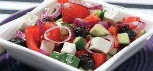 Yunan salatası nasıl yapılır? Doyurucu diyet salata tarifi