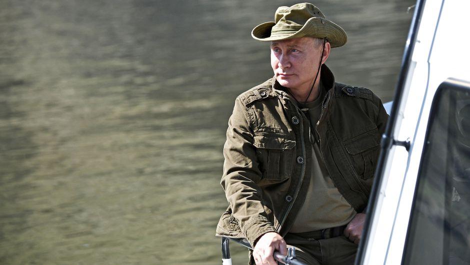 Putin'e ilginç hediye: Geri adım atmayan tek hayvan!