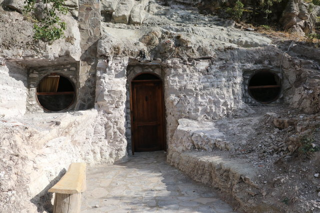 Kaya evlerde 3 bin 200 yıl öncesine yolculuk