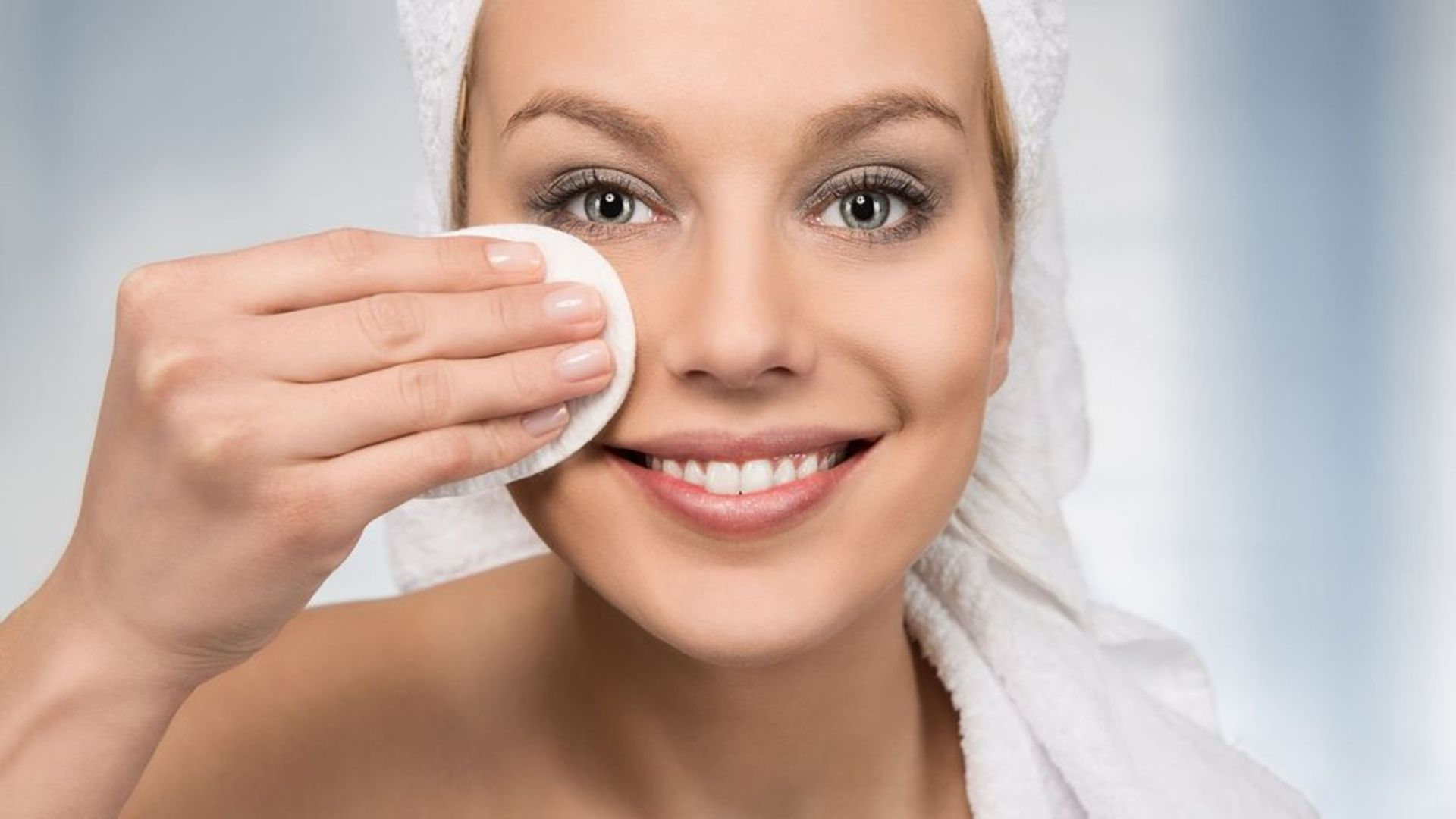 Doğal makyaj temizleyicisi nasıl yapılır