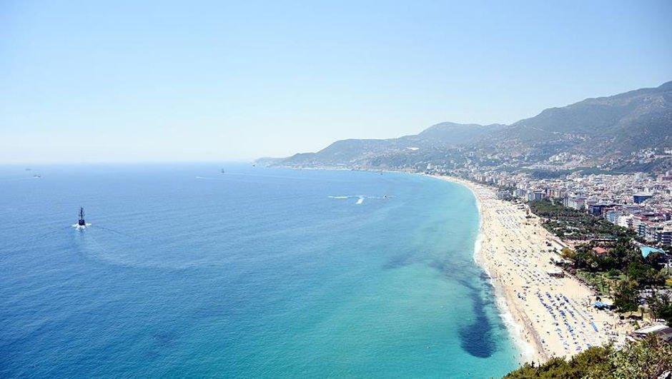 """Antalya'nın turizm gelirinin 5'te biri """"deniz""""den"""