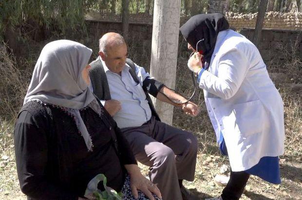 Hastaneye gidemeyen vatandaşlar için tarlada sağlık hizmeti