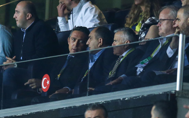 Fenerbahçe'de son dakika gelişmesi... Fenerbahçe'de sular durulmuyor!