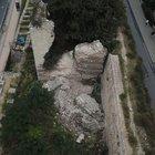 Fatih'te tarihi sur çöktü!