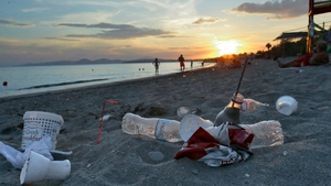 Denizler ve okyanuslarda en çok plastik kirliliği yaratan şirketler hangileri?