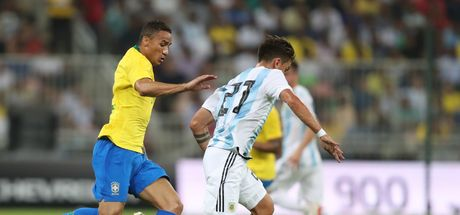 Brezilya, Messi'siz Arjantin'i devirdi!
