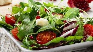 Sağlıklı diyet salatası nasıl yapılır?