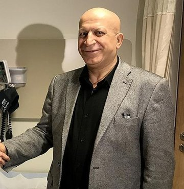 Göğsündeki kitle şikayetiyle doktora başvurduğunda meme kanseri olduğunu öğrenen ve bunun üzerine kanserle mücadelesi başlayan 57 yaşındaki Faruk Acabey, erken tanı sayesinde sağlığına kavuştu