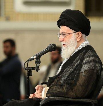 İran lideri Ayetullah Ali Hamaney, ülkesinin yönünü bilimde hızlı gelişme kaydeden Asya
