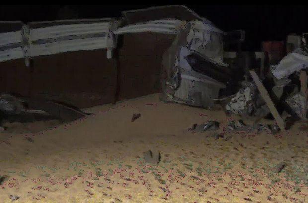 Mısır yüklü TIR devrildi, araç sürücüsü öldü