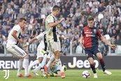 Juventus'u Genoa durdurdu!
