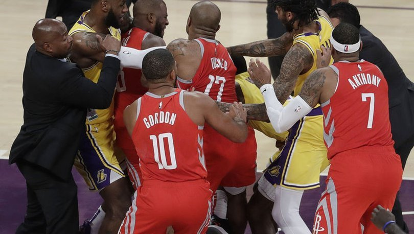 Rockets koçu D'Antoni : Orada öylece dursa mıydı ?