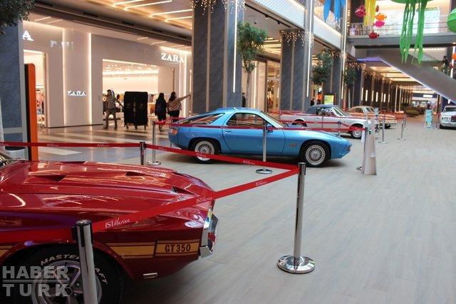Cumhuriyet Rallisi öncesi klasik otomobiller görücüye çıktı