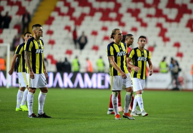 Anderlecht Fenerbahçe maçı hangi kanalda, ne zaman? Anderlecht Fenerbahçe maçı saat kaçta? FB maçı