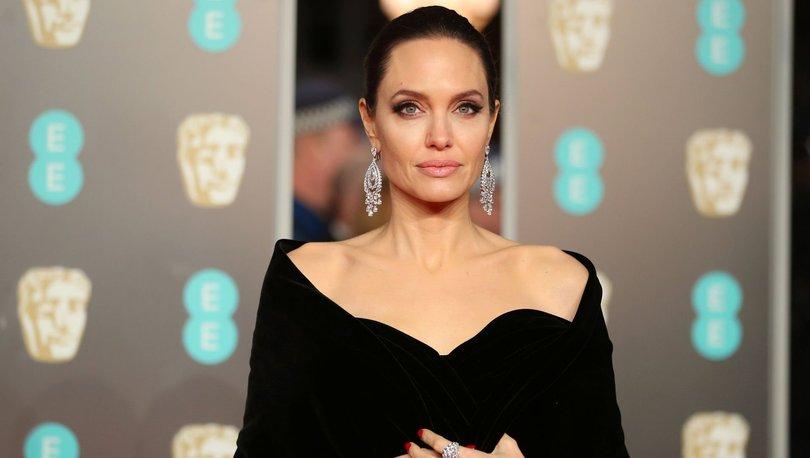 Venezuela'dan Angelina Jolie'ye 'ajan' suçlaması