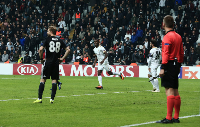 Spor yazarları, Beşiktaş - Genk maçını değerlendirdi!