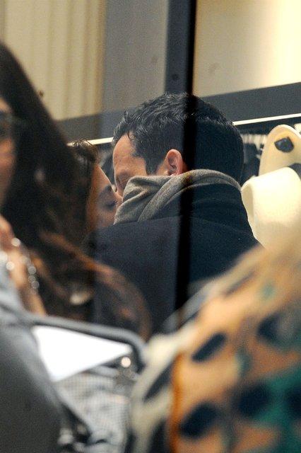 Ross McCall, İtalyan sevgilisi Alessandra Mastronardi ile birlikte Roma'da görüntülendi - Magazin haberleri