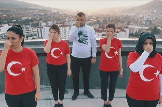 Yozgat Şehir Hastanesi çalışanları İstiklal Marşı'nı işaret dili ile okudu