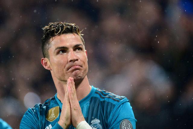 Selena Gomez zirveyi Ronaldo'ya kaptırdı - Magazin haberleri