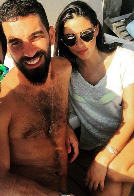 Asena Atalay'dan Berkay Şahin-Arda Turan kavgasına yorum - Magazin haberleri