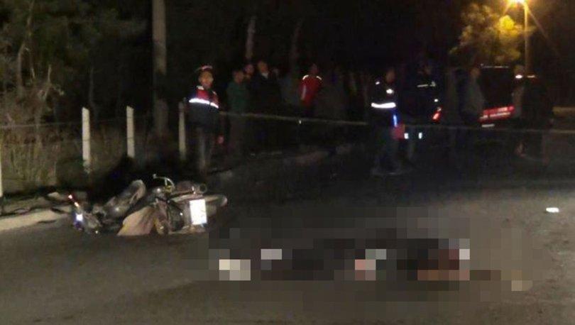 Motosiklet yayalara çarptı: Sürücü öldü, 1 kişi yaralı