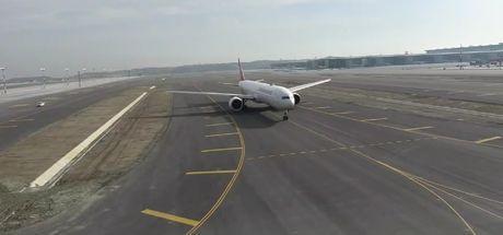 Son Dakika: İstanbul Havalimanı'ndan ilk uçuş tamamlandı!