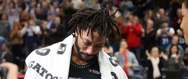 Derrick Rose! Kariyer rekoru, maçı kurtaran blok ve gözyaşları...