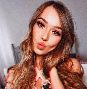 Makyajın gücünü kadınlar dünyasında bilmeyen yoktur. Monica Falcik isimli 23 yaşındaki sosyal medya kullanıcısının paylaştığı fotooğraflar makyajın etkisini daha da iyi gözler önüne seriyor