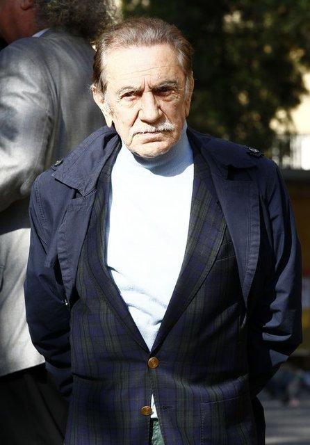 Aydemir Akbaş: Beni erotik filmlere mecbur ettiler