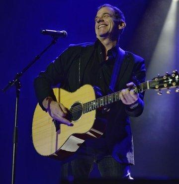 Garou İstanbul'da konser verdi