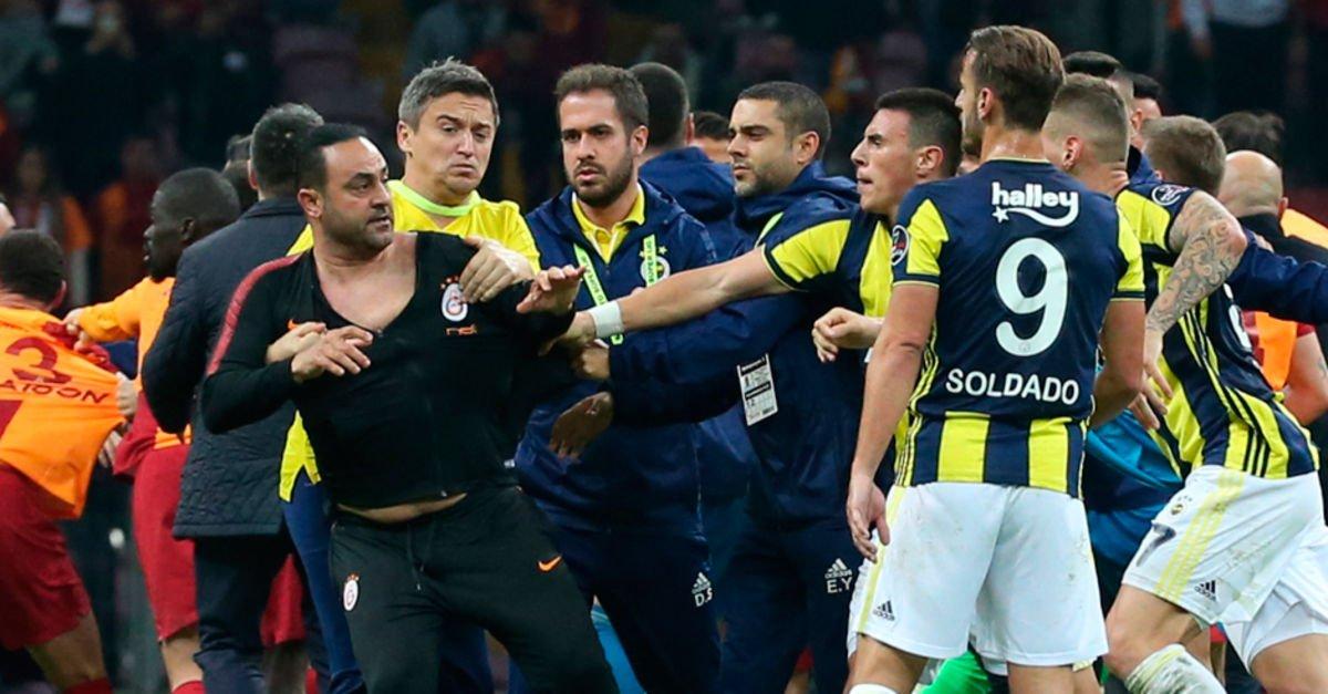 """""""Hasan Şaş'ı futboldan men edin"""""""
