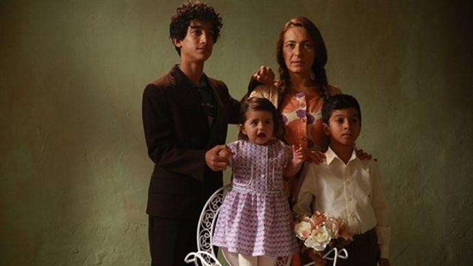 Filmde Müslüm Gürses'in gençliğini Şahin Kendirci, annesini ise Ayça Bingöl canlandırıyor.