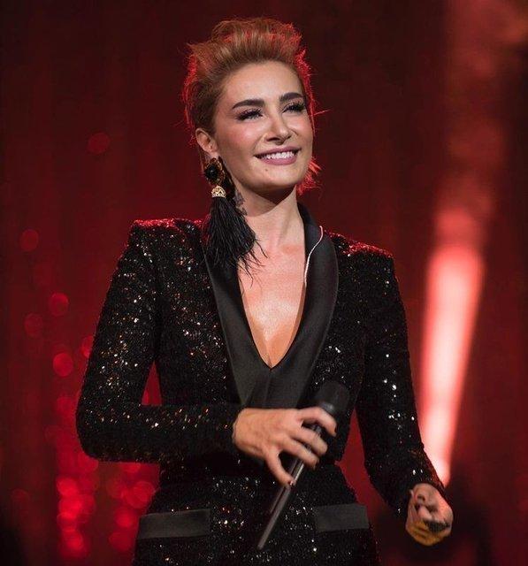 Ahmet Kural'dan şiddet gören Sıla'ya destek veren Pınar Altuğ, takipçilerinden tepki gördü - Magazin haberleri