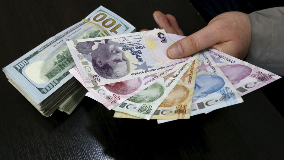 Moody's: Vergi indirimleri TL üzerindeki baskıyı canlandırabilir