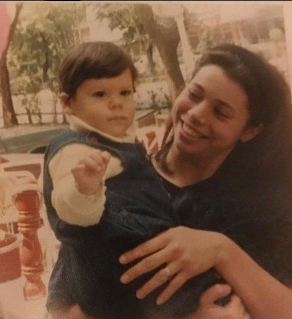 Can Yaman'ın annesi: İyi ki doğdun hayatımın anlamı...