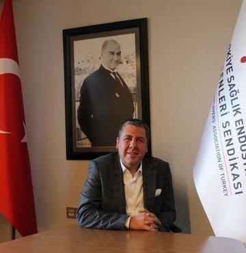 """Türkiye Sağlık Endüstrisi İşverenleri Sendikası (SEİS) Başkan Yardımcısı Levent Mete Özgürbüz, tıbbi cihaz sektöründe milli ürün oranının artırılması için """"fonlama modeli"""" geliştirilmesi gerektiğini belirterek, """"Sağlık sektörü büyük yatırımlar içeriyor. Firmaların kendi öz sermayeleriyle bu yatırımların altından kalkması mümkün değil"""" dedi"""