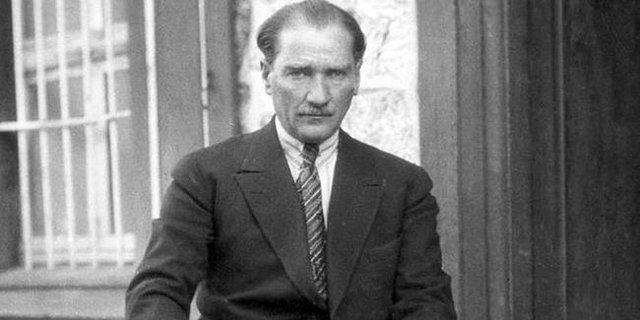 10 Kasım şiirleri 2018! Yarın Atatürk'ü Anma Günü'ne özel uzun ve kısa şiirler... Atatürk'ü Saygıyla Anıyoruz!
