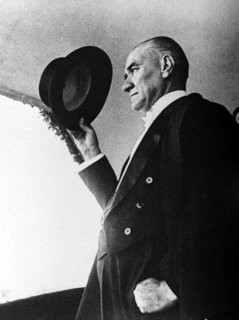 10 kasım Atatürk ile ilgili görsel sonucu