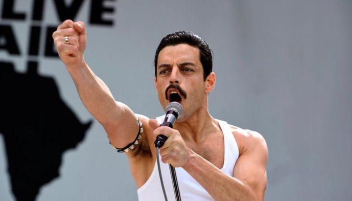 Rami Malek, Freddie Mercury'yi başarıyla canlandırıyor.