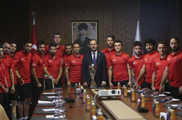 Gençlik ve Spor Bakanı Mehmet Muharrem Kasapoğlu  Ampute Milli Takım