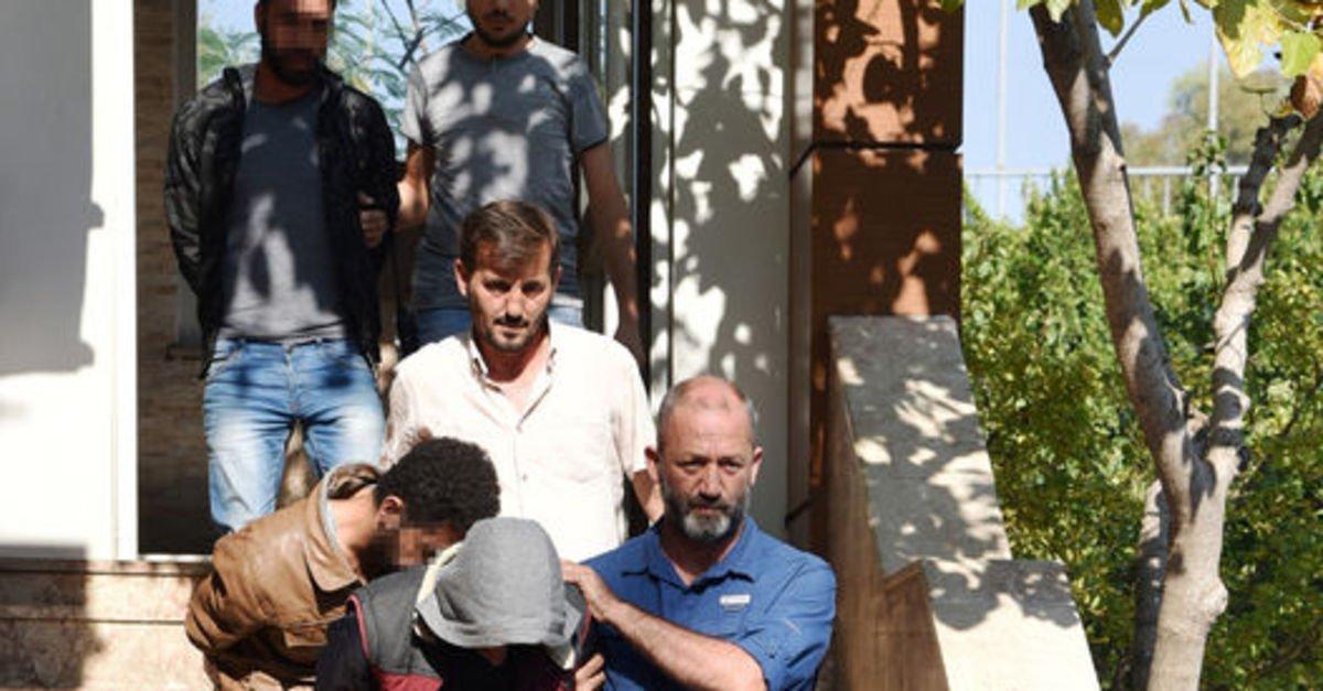 10 Kasım'da Antalya'da Atatürk büstünü kırarken yakalandılar!