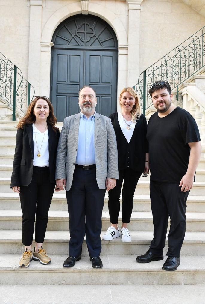 BKM'nin CEO'su Zümrüt Arol Bekçe ve Pegasus'un CEO'su Mehmet T. Nane, İpek Durkal ve Eser Yenenler (soldan sağa)