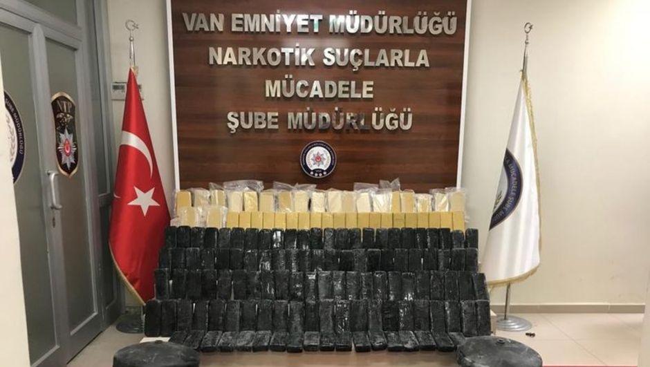 Van'da bir evde 80 kilo eroin ele geçirildi