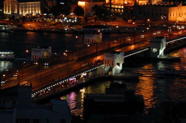 Haliç'teki 3 köprü yeniden araç ve yaya trafiğe açıldı
