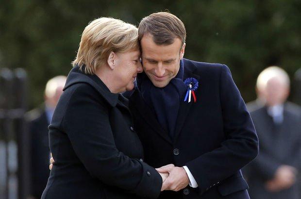 Yaşlı kadın, Merkel'i Macron'un eşi sandı