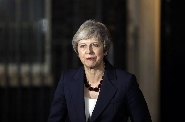 İngiltere'de Brexit krizi! 6'ncı istifa geldi