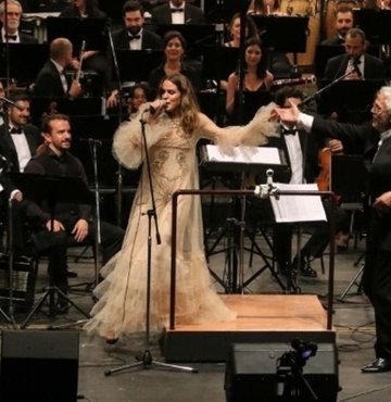 Lara Di Lara şarkıları şimdi senfonik!