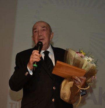 Türker İnanoğlu'na katkı ödülü verildi